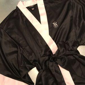 Victoria's Secret   black & pink kimono robe